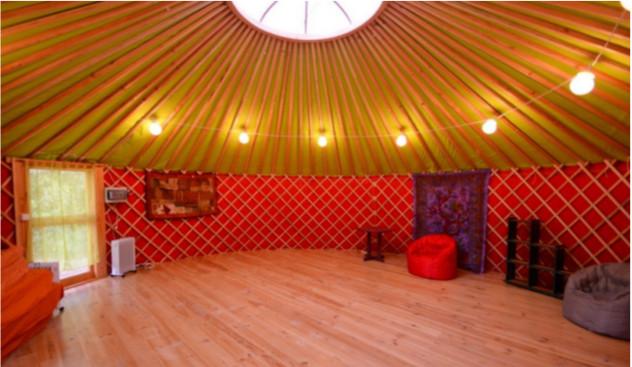 yourte ateliers La Tuilière Cadenet séjour yi jing gérard genco monica levert antique melou association gestalt thérapie